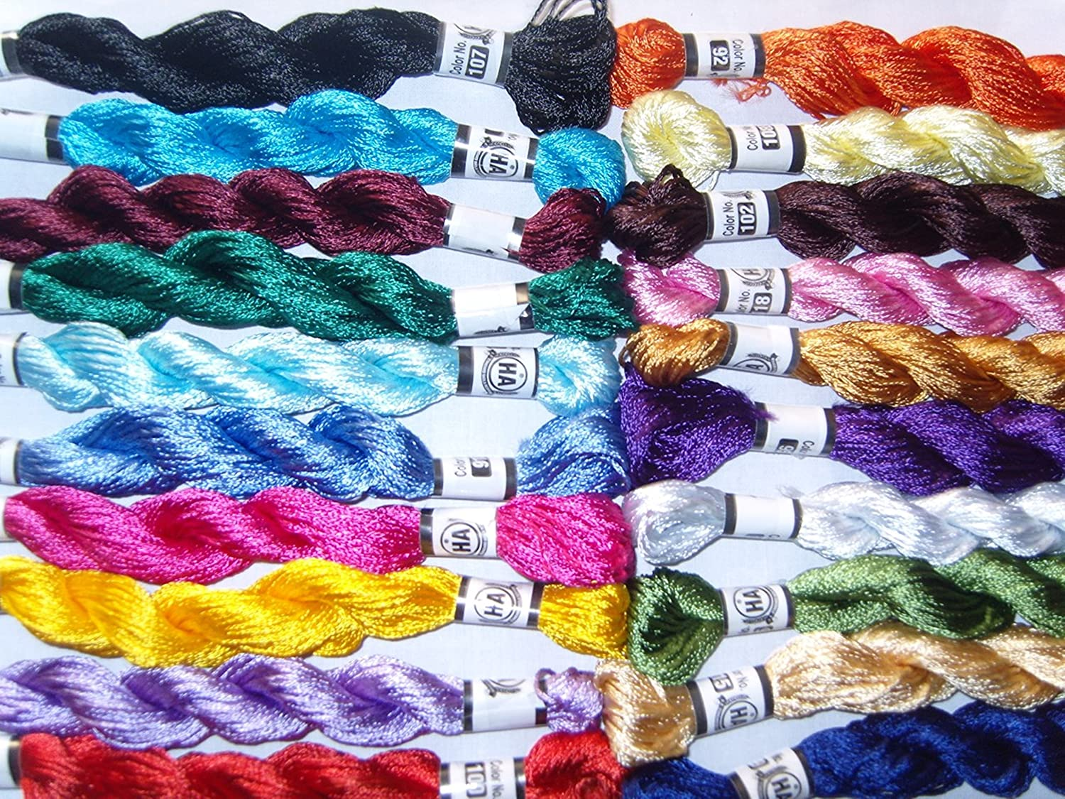 High Quality Colours Black /& White Oasis  SILK Hand Embroidery Thread Skein