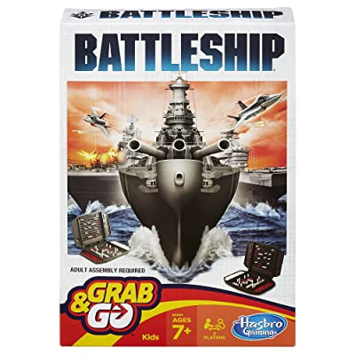 Battleship Grab and Go Game (Travel Size): Toys & Games