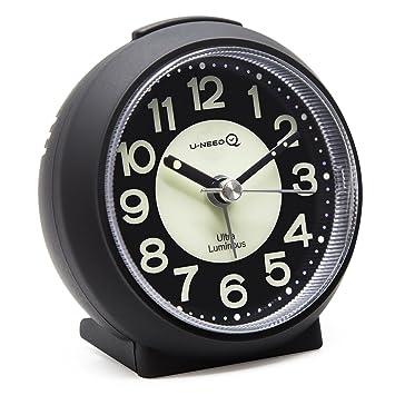 Reloj despertador de cuarzo con alarma de U-needQ, no hace tictac, con repetición de alarma a los 5 minutos, luz nocturna, tamaño pequeño, peso ...