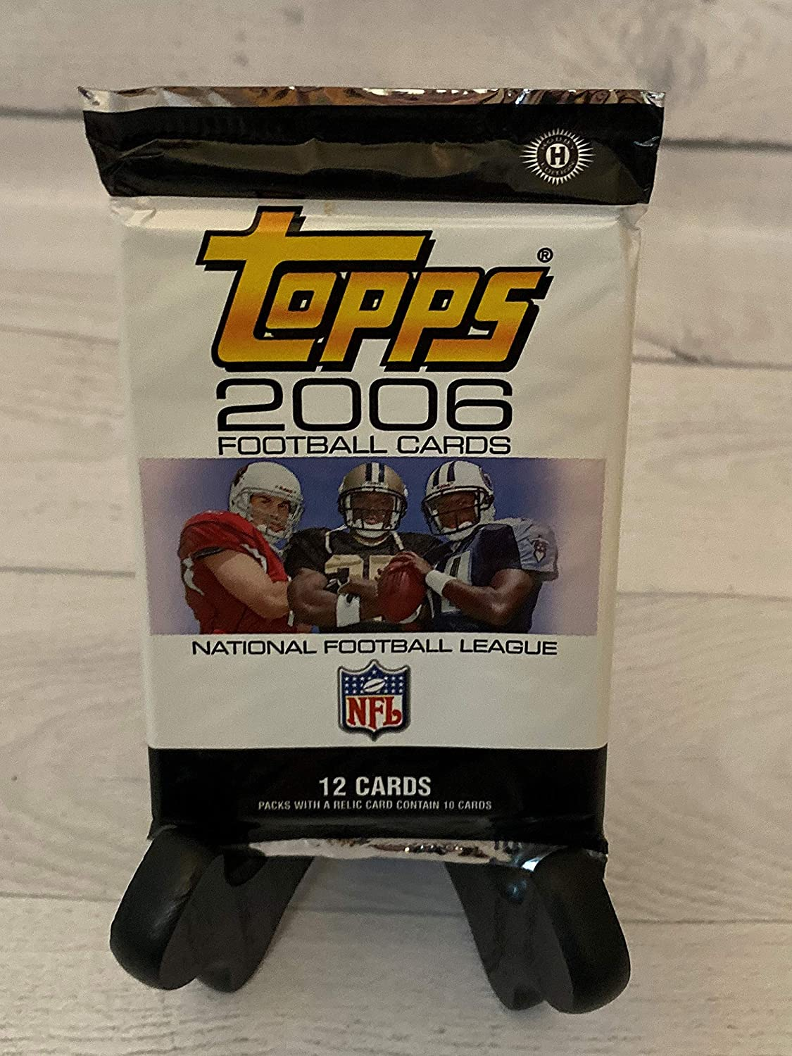 Unsearched. 2006 Topps Football Hobby Pack 12 cards