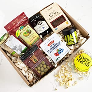 igourmet Vegan Delights Gourmet Collection In A Gift Basket - Curated by our expert chefs - A combination of wonder and health in one basket. - Amazing