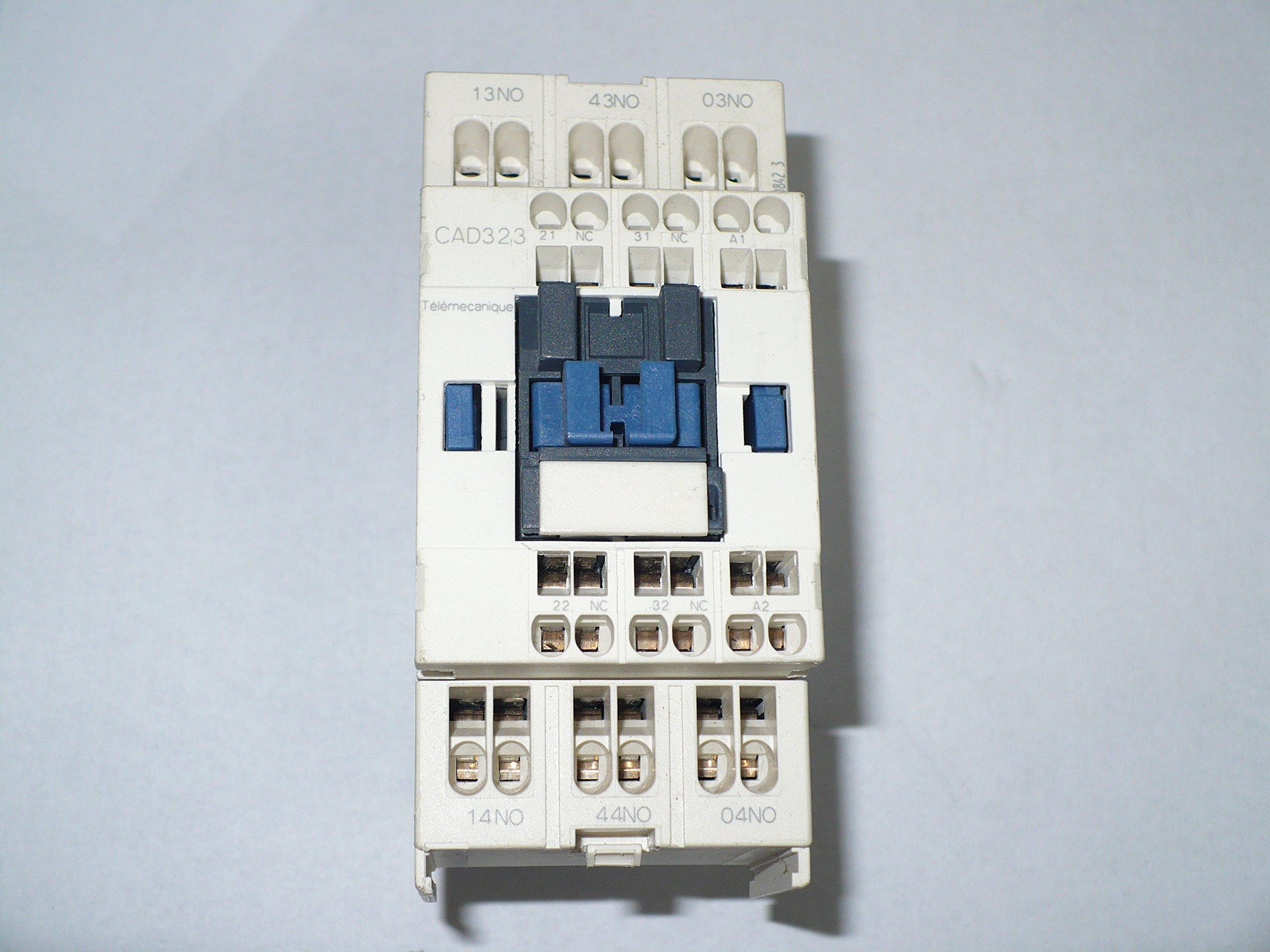 Telemecanique CAD323G7 Relay, 600V, 10A,