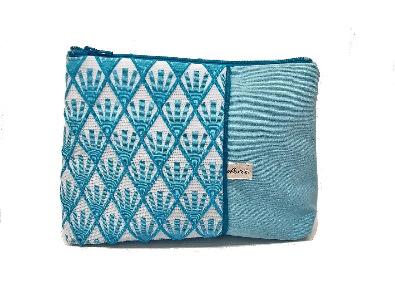 pochette maquillage bleu pastel a motifs geometriques , trousse en toile et tissu jacquard style vintage , fourre tout zippé femme , cadeau pour elle