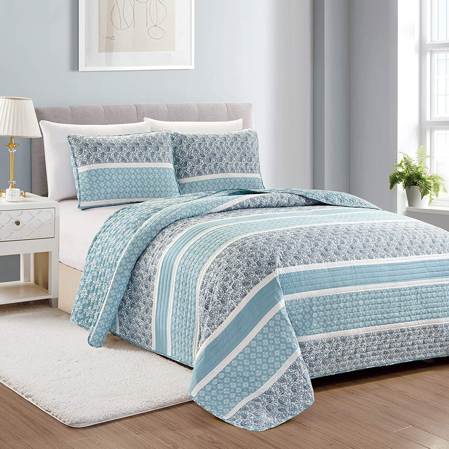 Great Bay Home Reversible Paisley Striped Bedspread. Full/Queen Size Quilt with 2 Shams. 3-Piece Reversible All Season Quilt Set. Sky Blue Quilt Coverlet Bed Set. Kadi Collection.