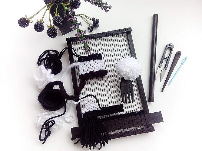Amazon.com: Mini Frame Loom With Weaving Tools And Yarn Kit Creating ...