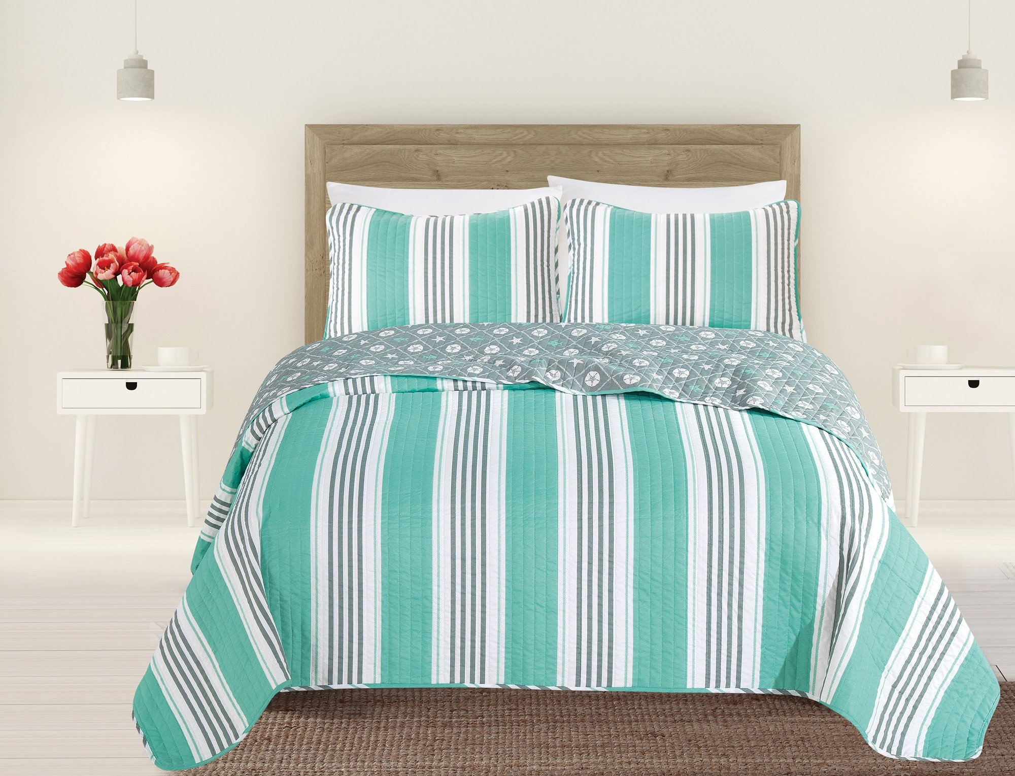 Great Bay Home 3-Piece Coastal Beach Theme Quilt Set with Shams. Soft All-Season Luxury Microfiber Reversible Bedspread and Coverlet. St. Croix Collection By Brand. (Twin, Aqua/Grey)