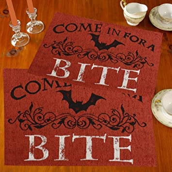 Halloween Fall Tapestry Placemat Decorative Pumpkins Black//White//Orange NEW