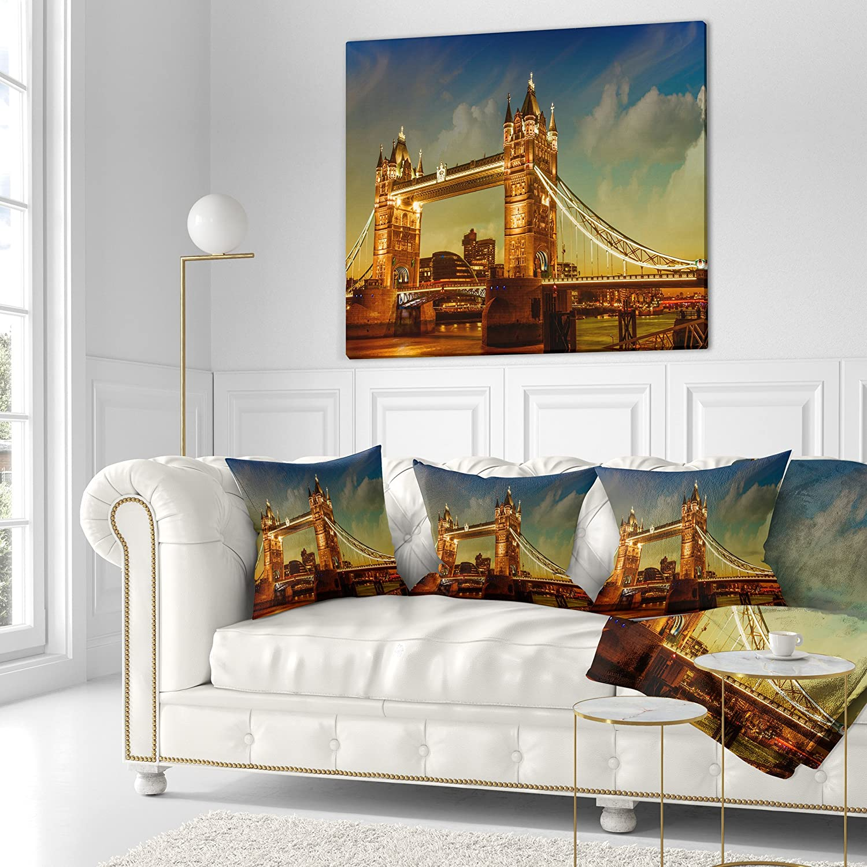 Designart CU7571-18-18 Majesty of Tower Bridge Throw Pillow 18 x 18