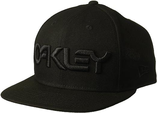 820cedef49c Amazon.com  Oakley Men s Mark II Novelty Snapback Adjustable Hats ...