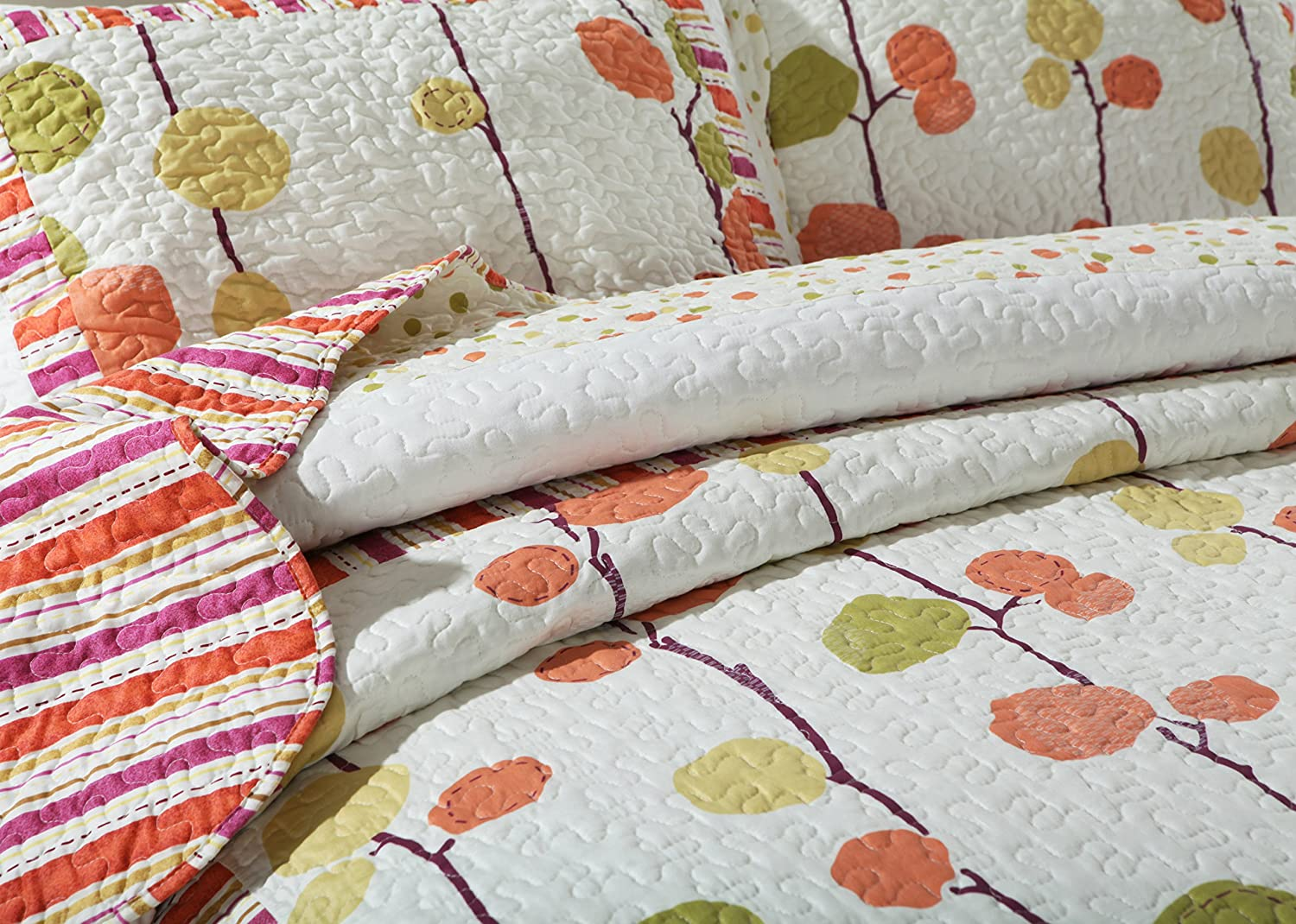 DaDa Bedding Autumn Polka Dot Vineyard Reversible Quilted Coverlet Bedspread Set