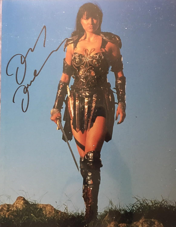 Lucy Lawless unterzeichnet 35,6x 27,9cm Foto–Xena–Salem–100% Echtheit garantiert–in Person Dealer, UACC Registriert # 242