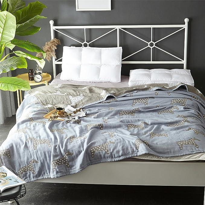 a04ed43fd0 Amazon.com  Scientific Sleep Star Horse Cute Cozy Lightweight Muslin Cotton  Blanket Twin