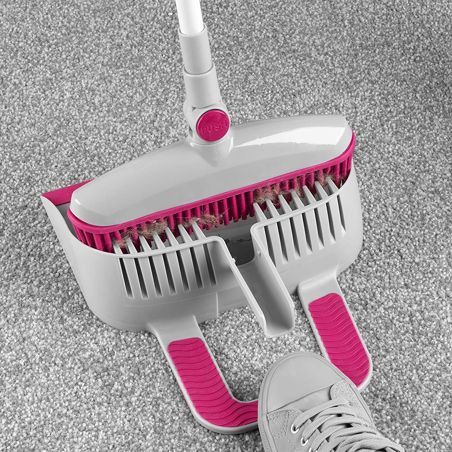 Perfect for Cleaning Pet Hair /& Dust 180/° Swivel Head Kleeneze KL068354EU7 Rubber Head Dustpan and Brush with Telescopic Handle