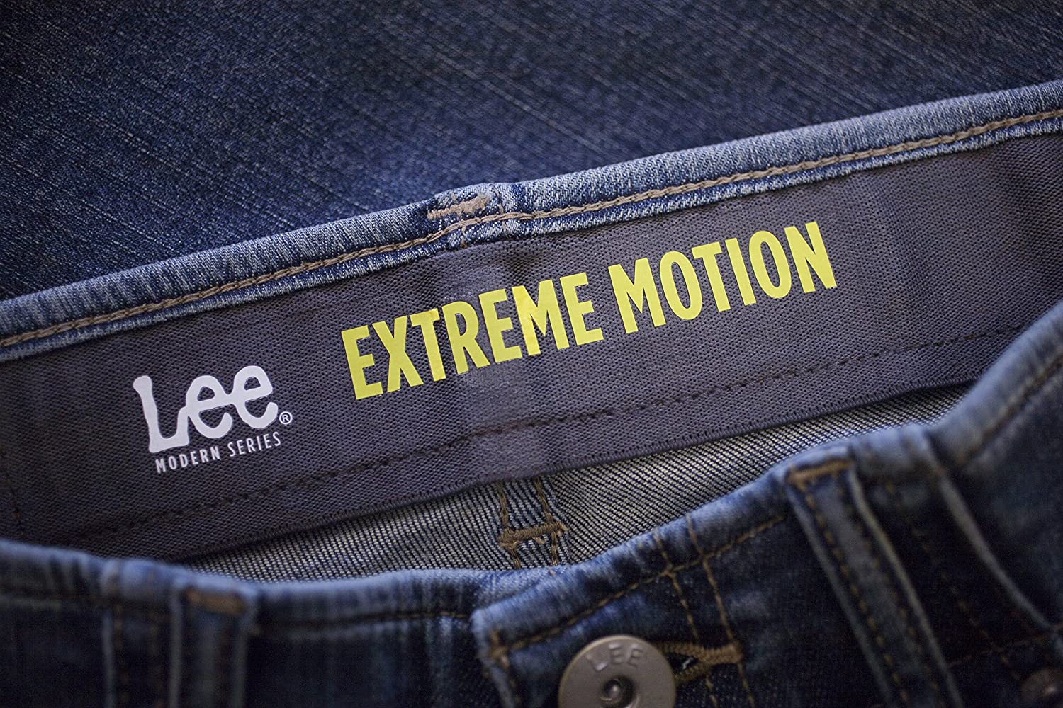 LEE Mens Modern Series Extreme Motion Straight Fit Tapered Leg Jean