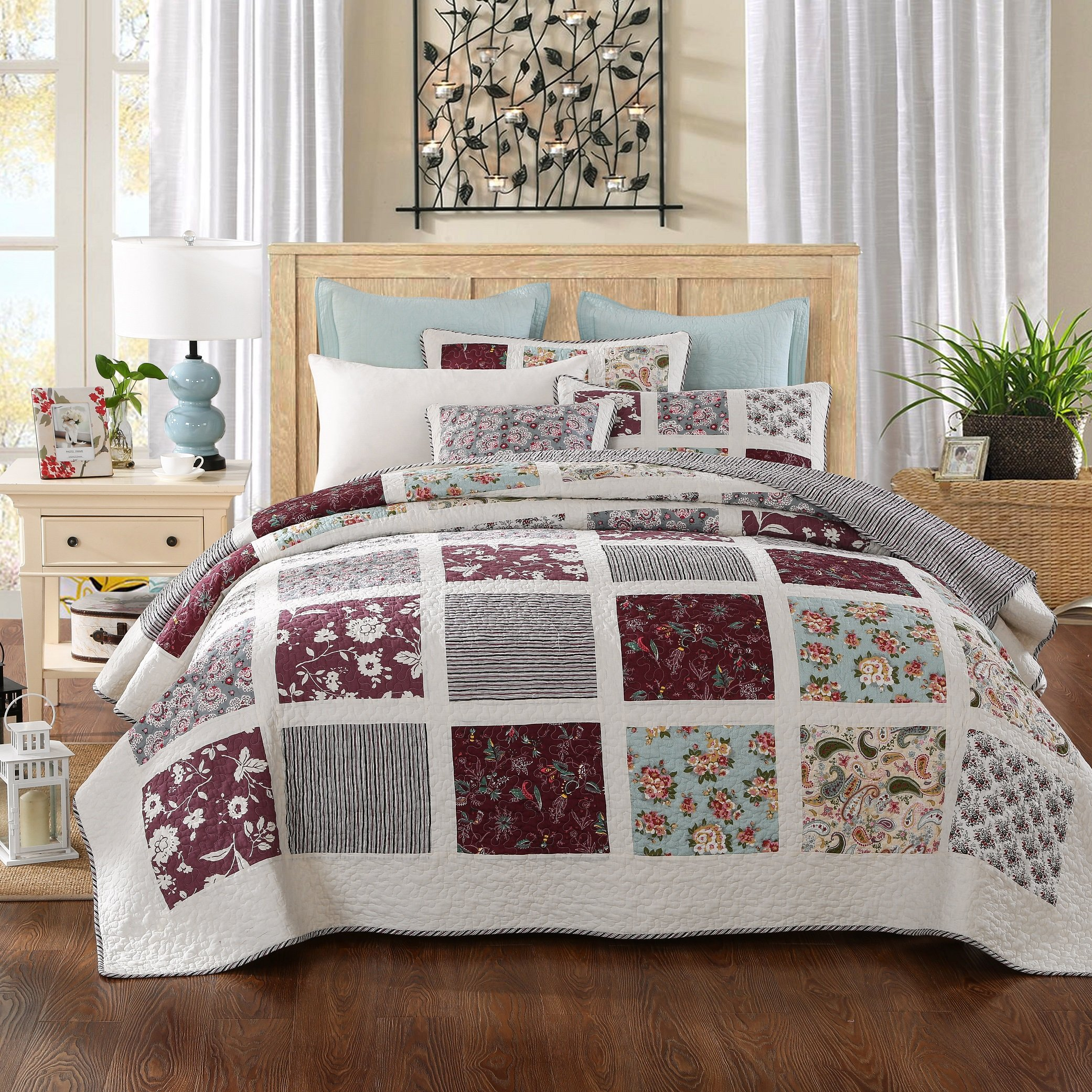 DaDa Bedding Festive Merlot Burgundy Bohemian Reversible Cotton Real Patchwork Quilted Coverlet Bedspread Set - Bright Vibrant Floral Paisley & Striped Backside Colorful White Print - Twin - 2-Pieces