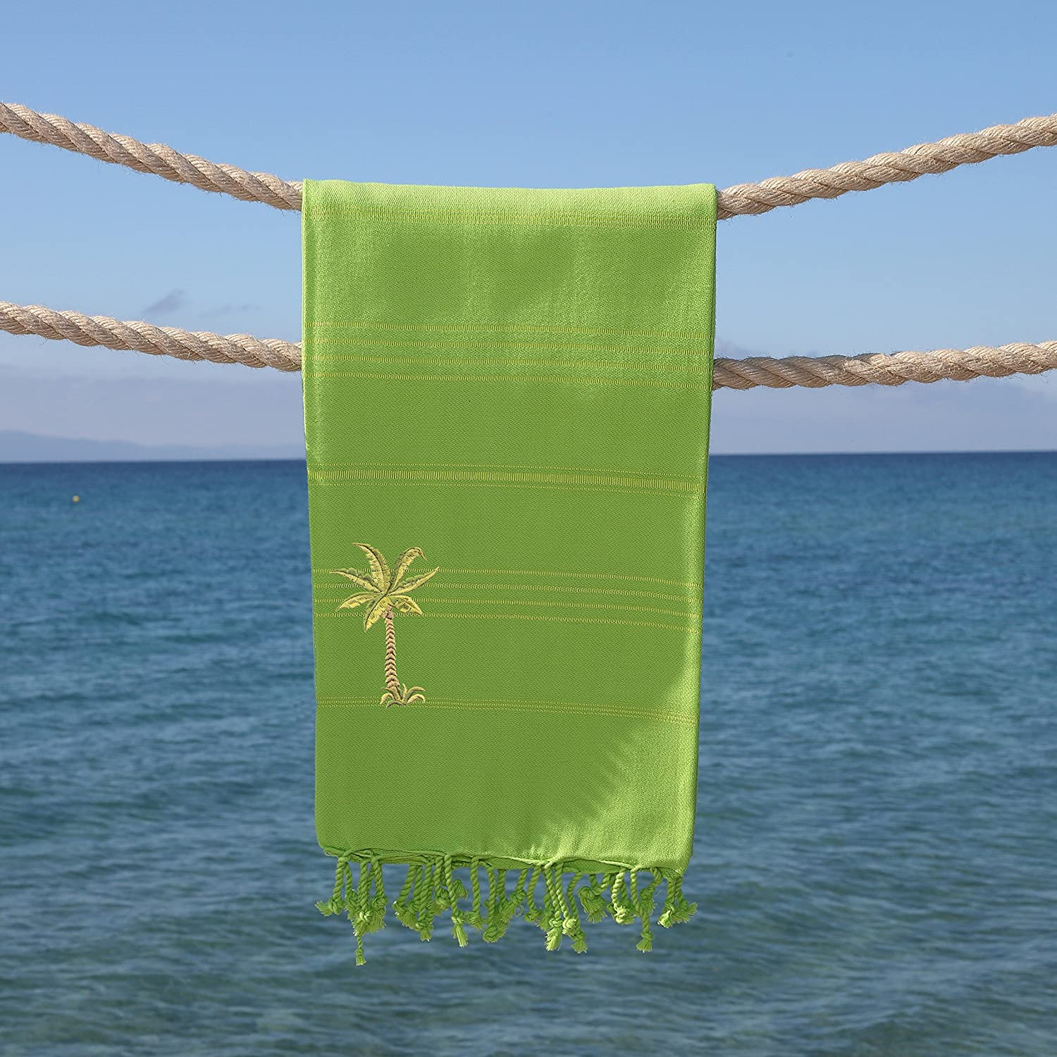 Linum Home Textiles Summer Fun Breezy Palm Tree Pestemal Beach Towel Pistachio