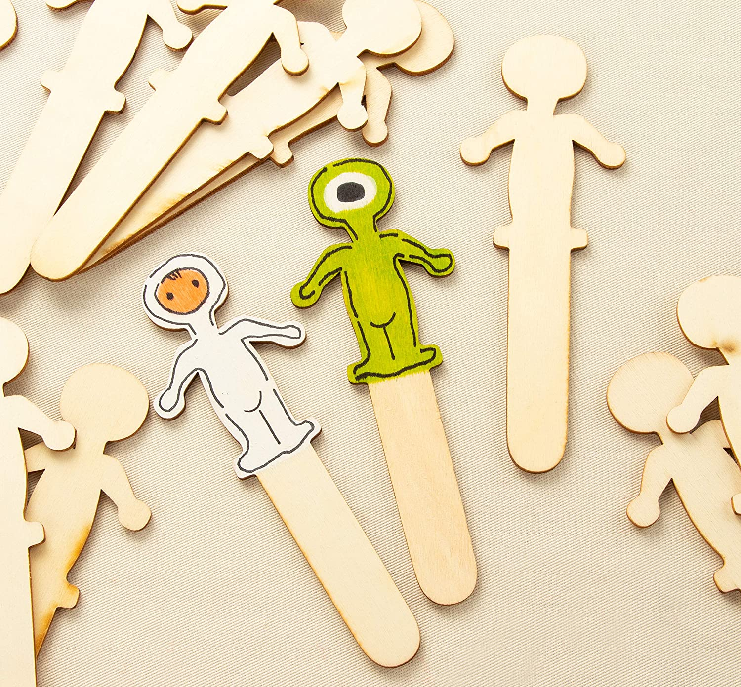 100-Pack Wooden People Shaped Craft Sticks Family Set Wood Craft Sticks People for DIY Arts and Crafts Projects Crafting Supplies People Craft Sticks