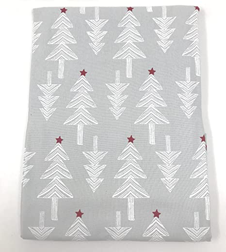 Ben Vestito Casa In Tessuto Bianco Alberi Di Natale Con Stelle Rosse