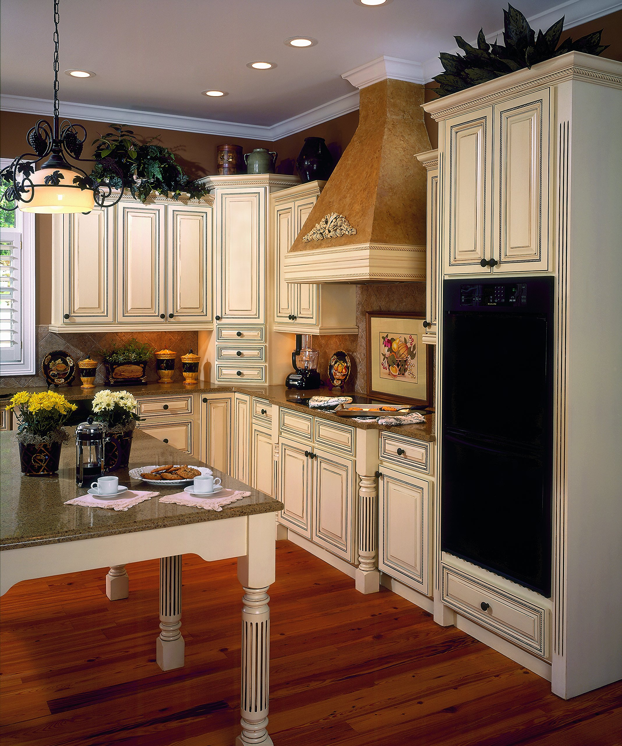 Roman Classic Fluted Island Column, Red Oak by Designs of Distinction®