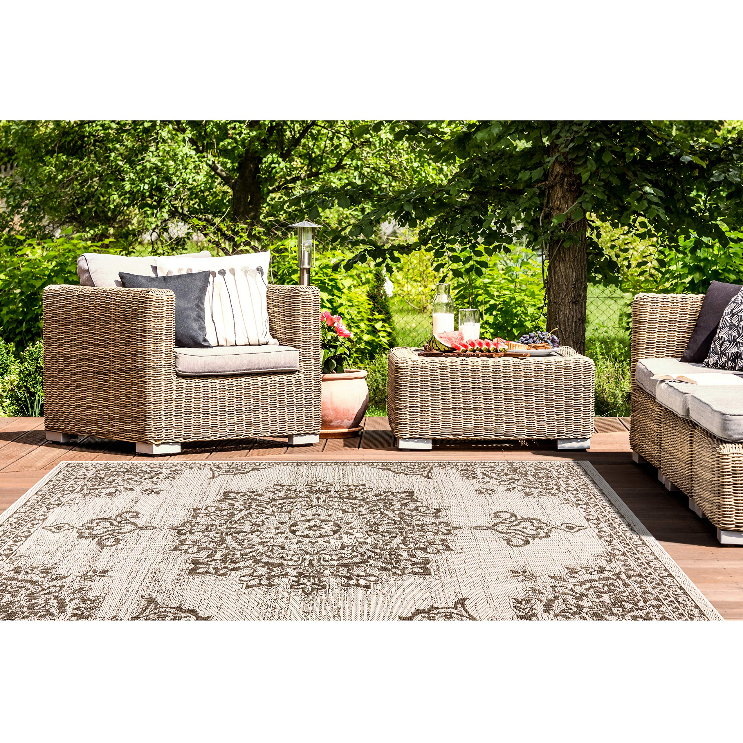 Home Dynamix Nicole Miller Patio Country Azalea Indoor/Outdoor Area Rug 7'9''x10'2'', Traditional Medallion Gray/Black by Home Dynamix (Image #8)