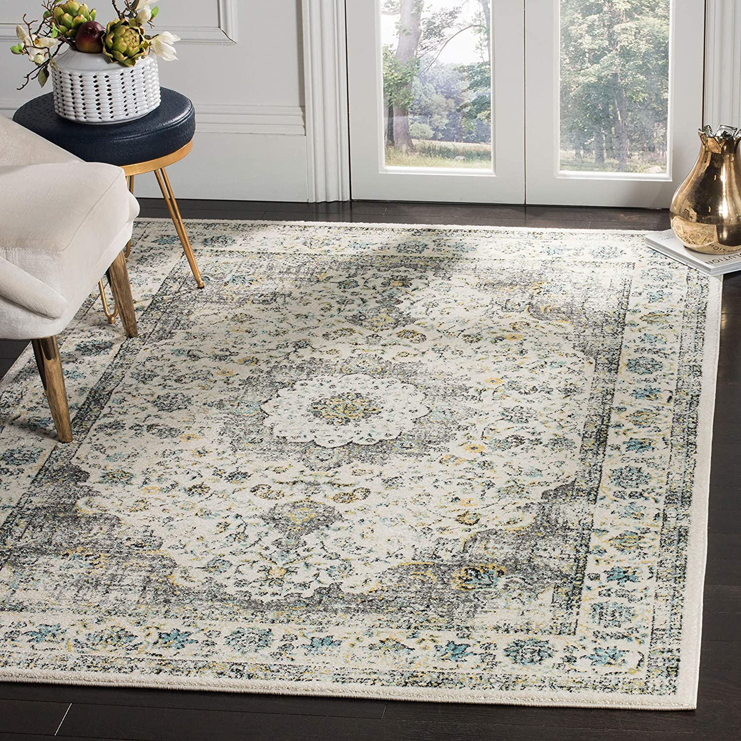 3 in Diameter Safavieh Evoke Collection EVK220D Vintage Oriental Grey and Ivory Round Area Rug EVK220D-3R