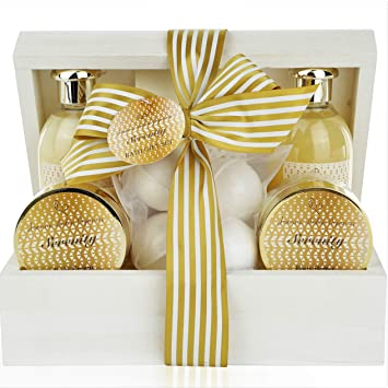 Amazon Deluxe Spa Gift Basket Bath And Body Set For Her Birthday Perfect Woman All Natural Treat Relaxation