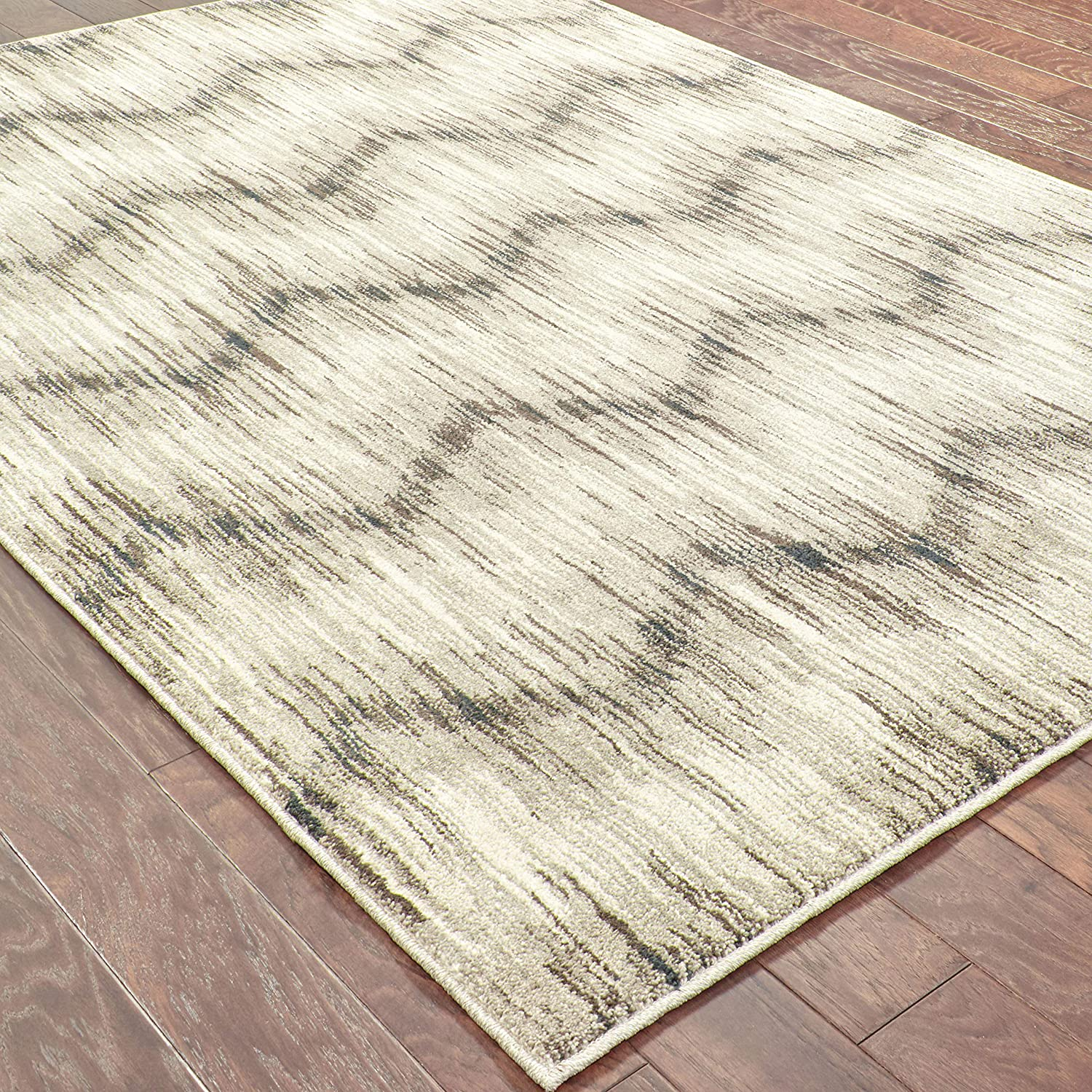 Christopher Knight Home CK-A8066 Halsey Chevron Indoor Area Rug 1ft 10in X 3ft Grey,Ivory