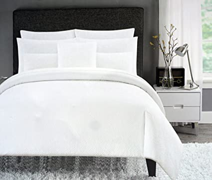 Cynthia Rowley Bedding 3 Piece Full / Queen Duvet Cover Set Solid White  Retro Textured Ruched