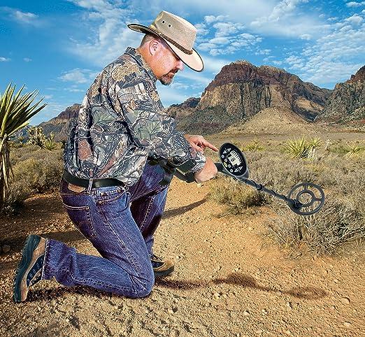 Amazon.com : Bounty Hunter DISC22 Discovery 2200 Metal Detector : Hobbyist Metal Detectors : Garden & Outdoor