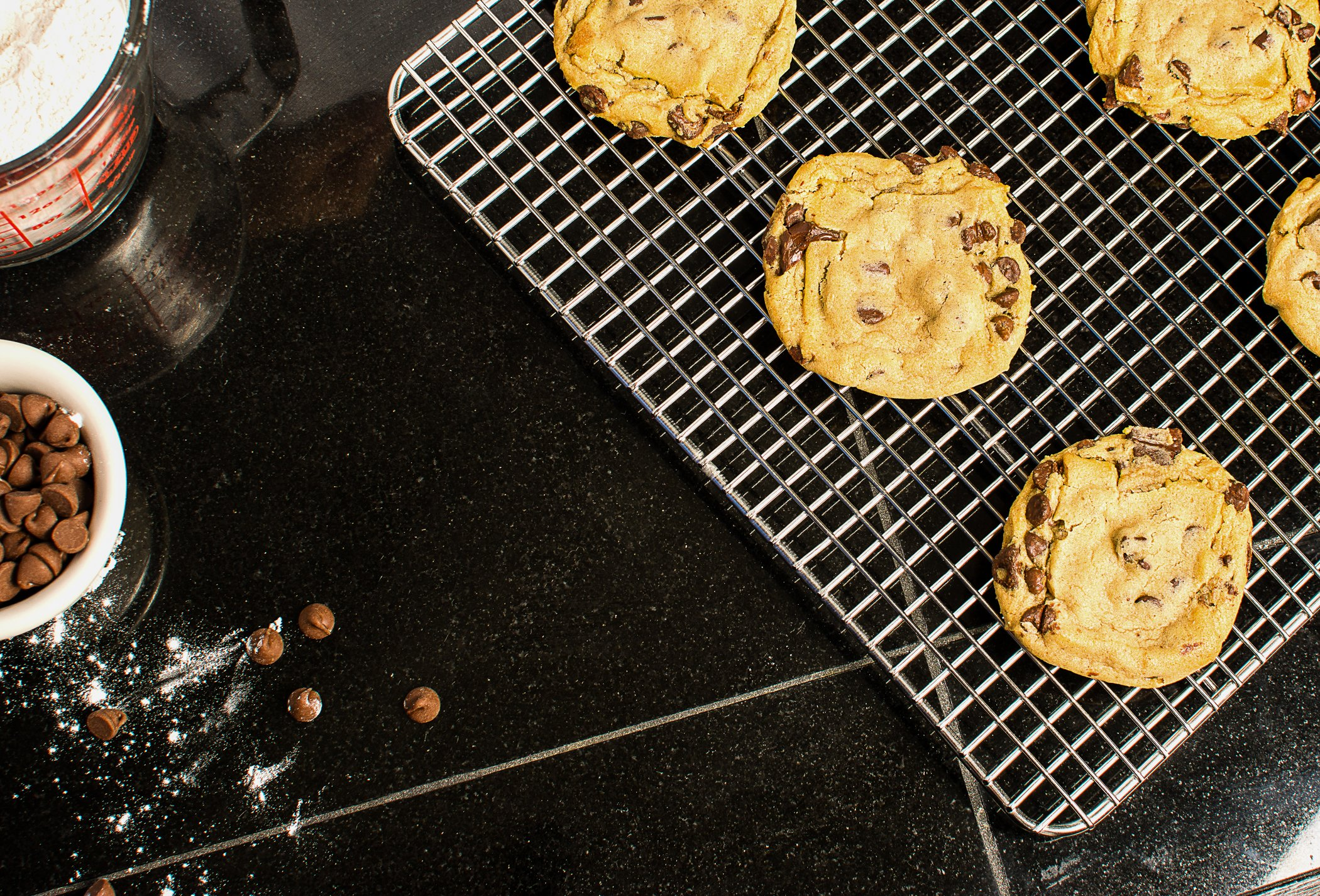 KITCHENATICS Baking Sheet with Cooling Rack: Half Aluminum Cookie Pan Tray with Stainless Steel Wire and Roasting Rack - 13.1'' x 17.9'', Heavy Duty Commercial Quality by KITCHENATICS (Image #9)