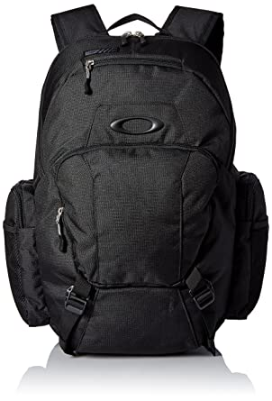 62dc7f1ce7313 Amazon.com  Oakley Men s Blade Wet Dry 30 Backpack