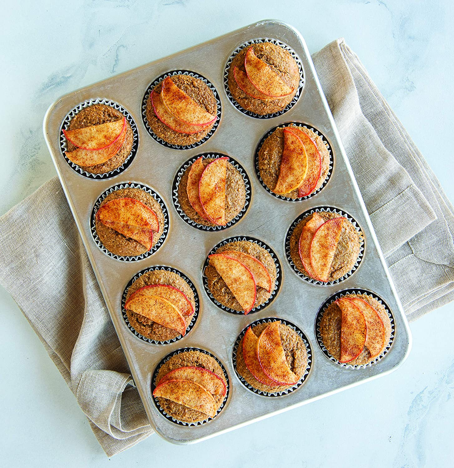 12 Cup 45500AMZ Nordic Ware Natural Aluminum Commercial Muffin Pan
