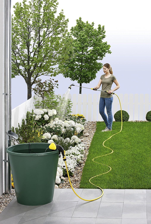 Kärcher Regenfasspumpe bei der Anwendung zur Bewässerung