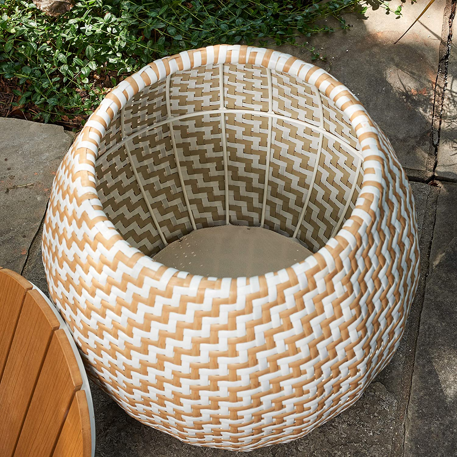 Quality Outdoor Living 65 Yzst02 Amelia Chevron Side Table With Storage Tan White Wicker Amazon Ca Patio Lawn Garden