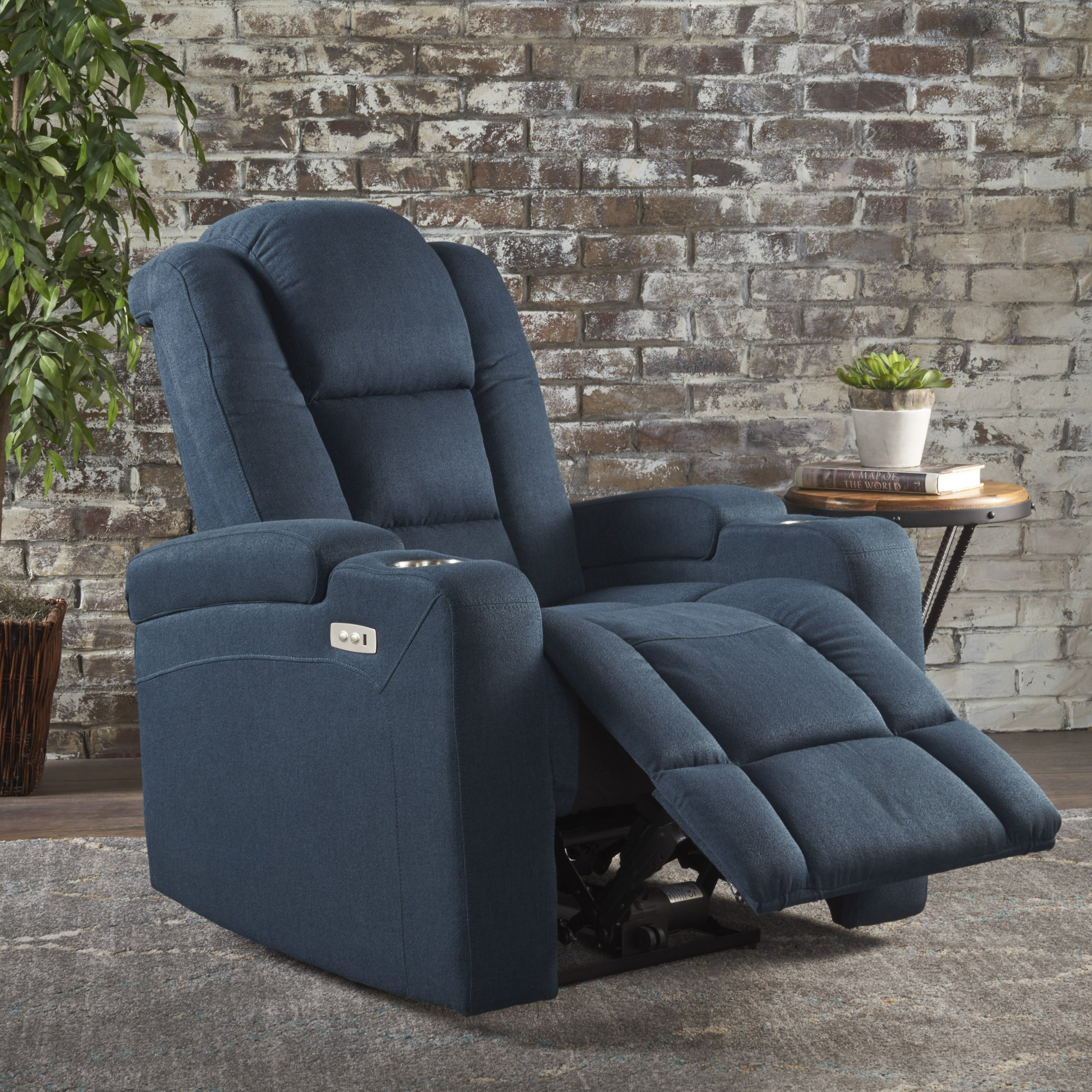 Everette Power Motion Recliner With Usb Charging Port