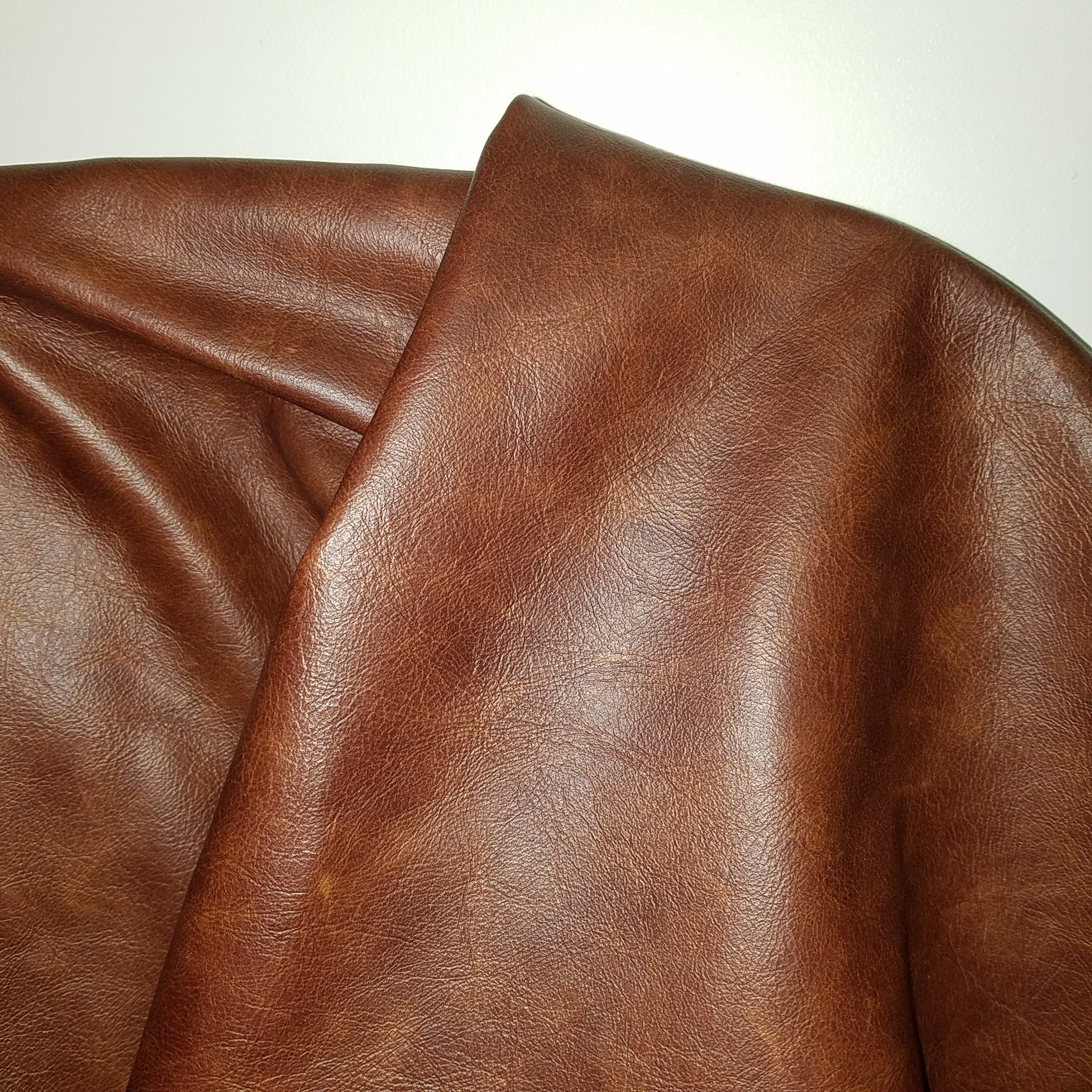 NAT Leathers Brown Tan Cognac 22 to 24 Square Feet (22-24 Sq.ft (32''x55'')) Weekender Two Tone Soft Upholstery Chap Italian Cowhide Genuine Leather Hide Large Cow Skin