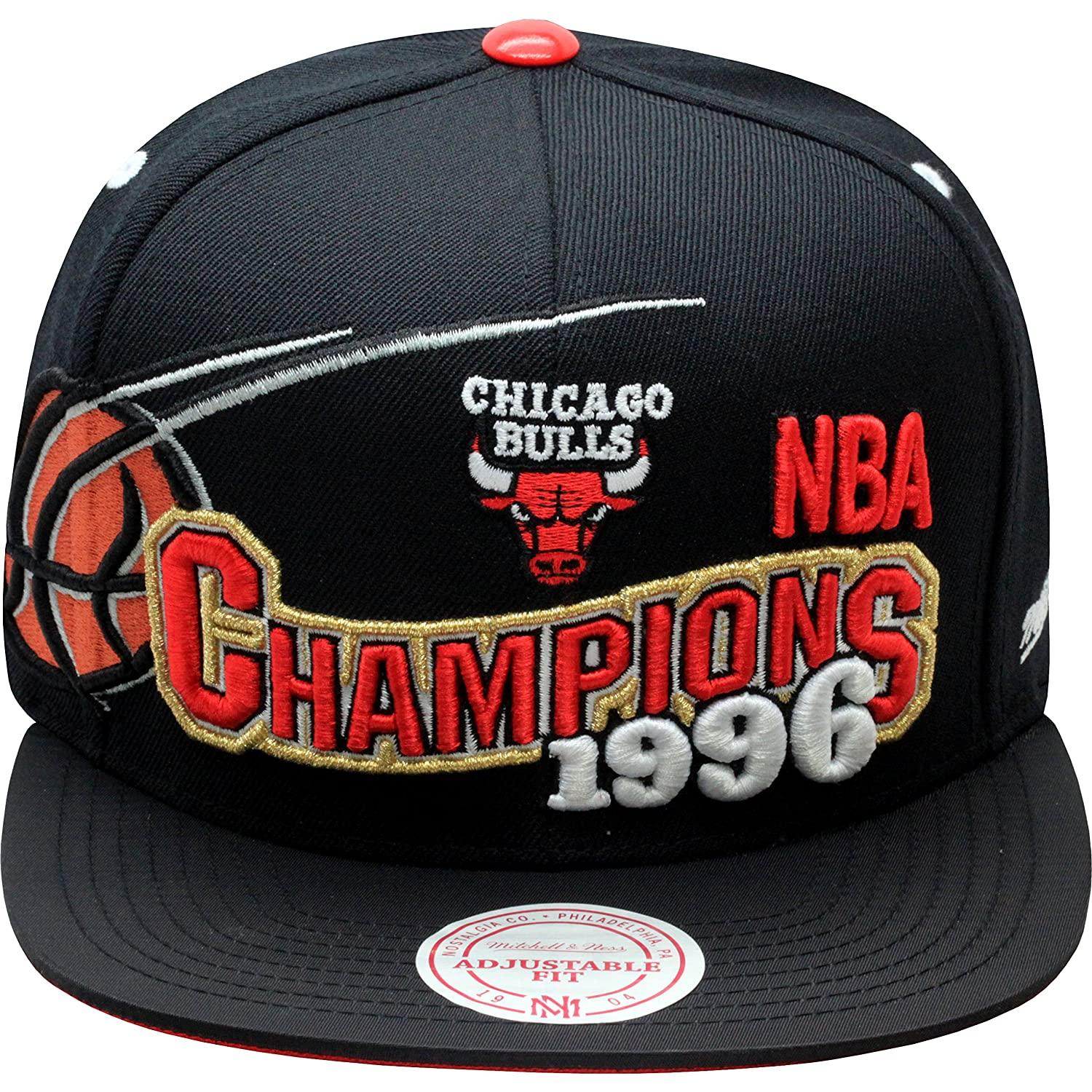 bd47b8db6f1 Amazon.com   Mitchell   Ness Men s Chicago Bulls BRED XI Special Edition 1996  Finals Champions Snapback Cap One Size Black   Basketball Shorts   Clothing