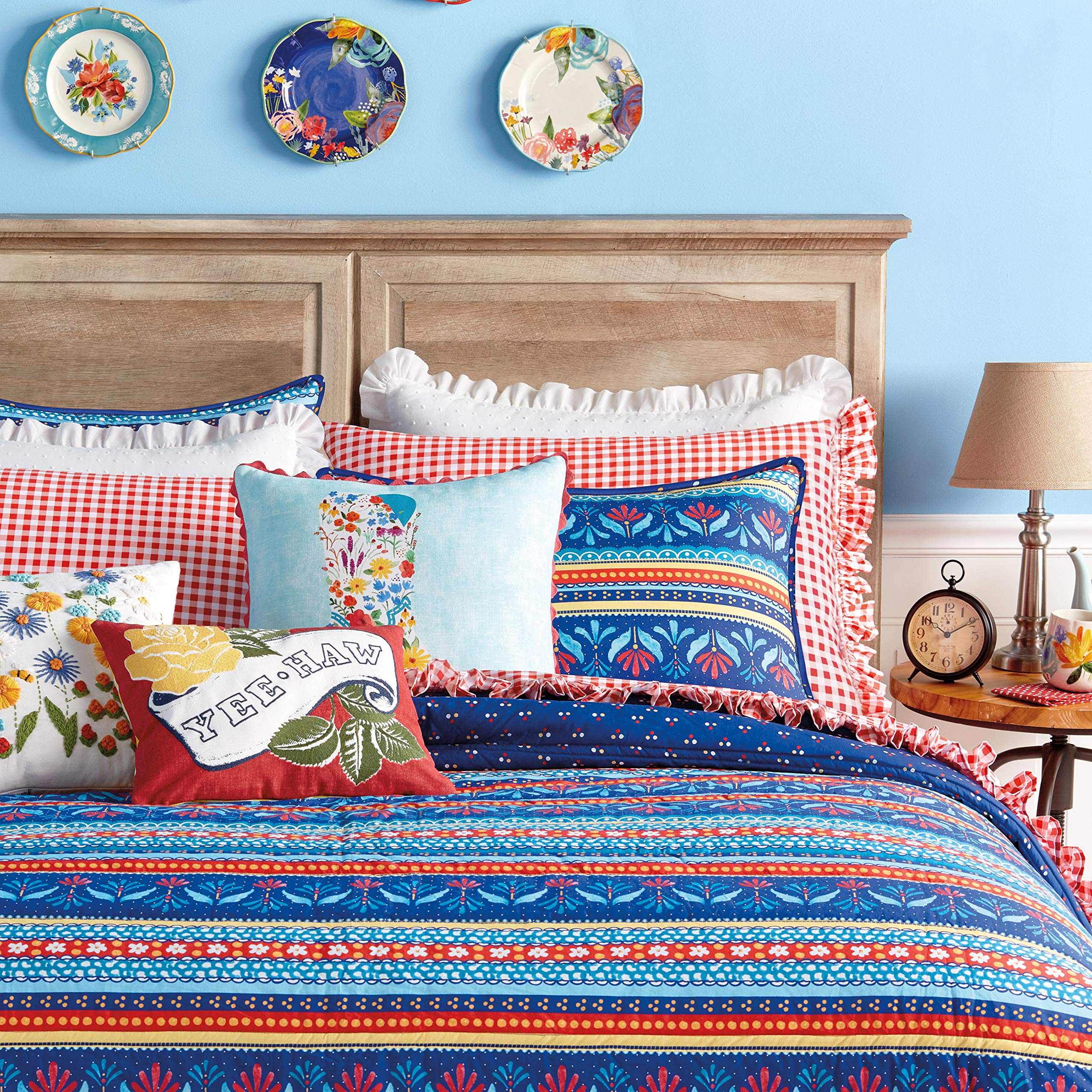 The Pioneer Woman Country Girl Stripe Quilt (King) by The Pioneer Women