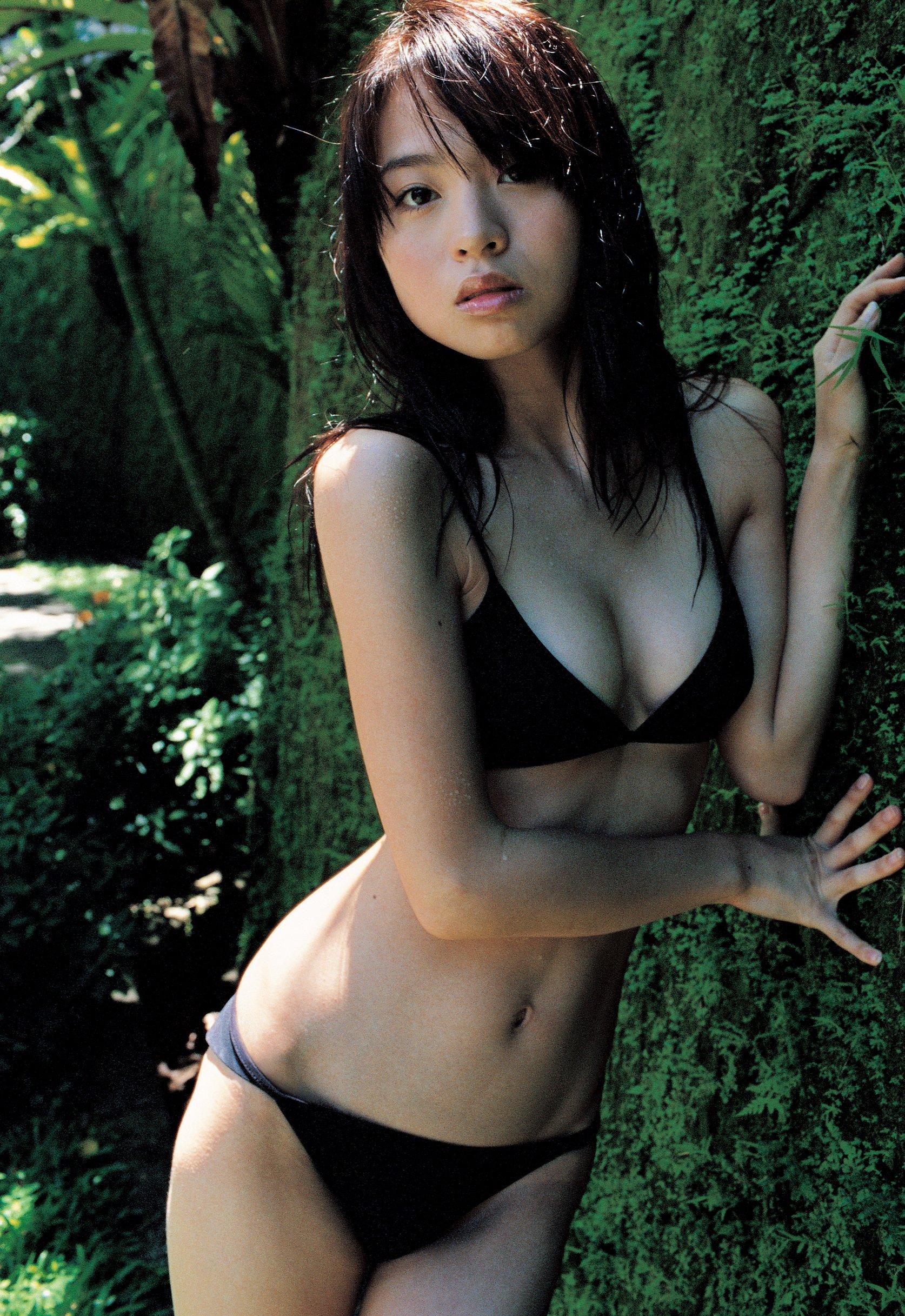 大谷澪さんのビキニ
