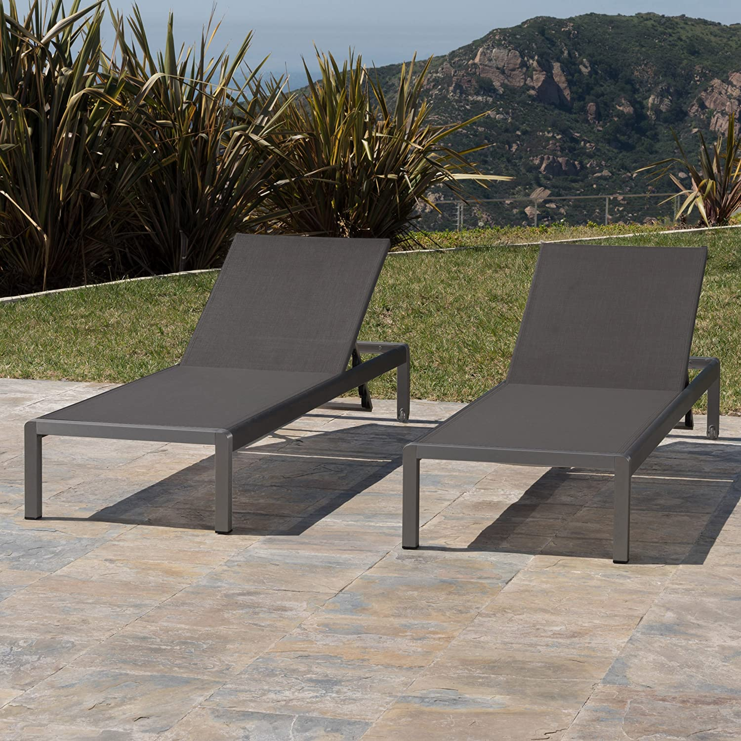 Amazon com crested bay patio furniture outdoor grey aluminum chaise lounge with dark grey mesh seat set of 2 garden outdoor