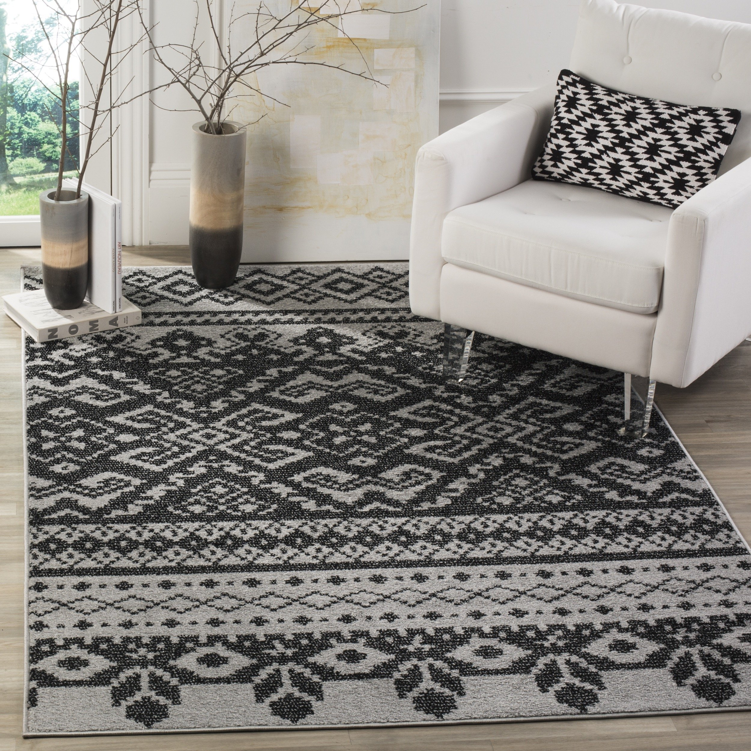 Safavieh Adirondack Collection ADR107A Silver and Black Rustic Bohemian Area Rug (6' x 9')