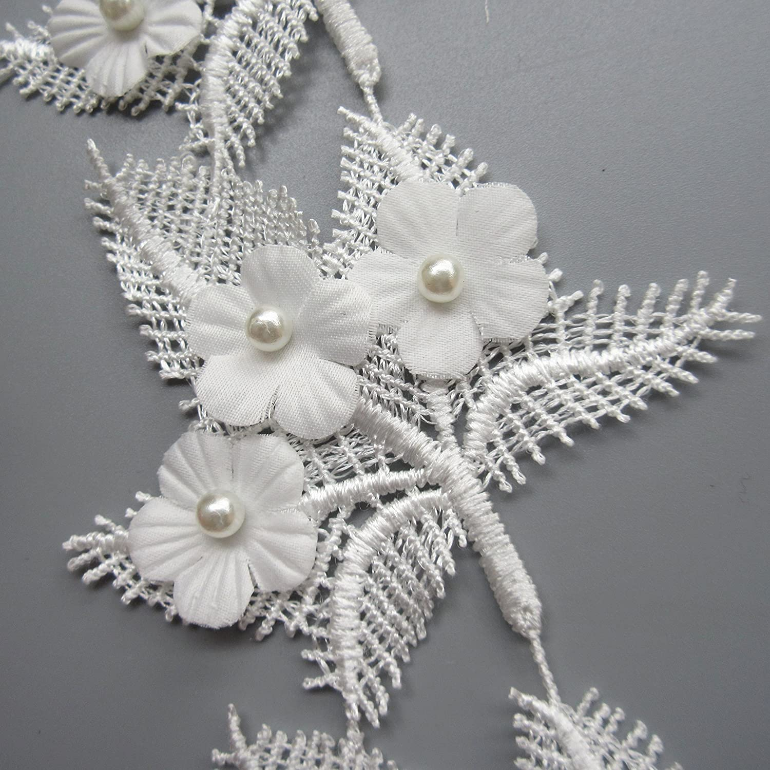 1 Yard Eyelash Maple Leaf Shape Flower Pearl Lace Edge Trim Ribbon 7.5*8.5 cm Width Vintage Style White Edging Trimmings Fabric Embroidered Applique Sewing Craft Wedding Bridal Dress DIY Party Clothes Embroidery