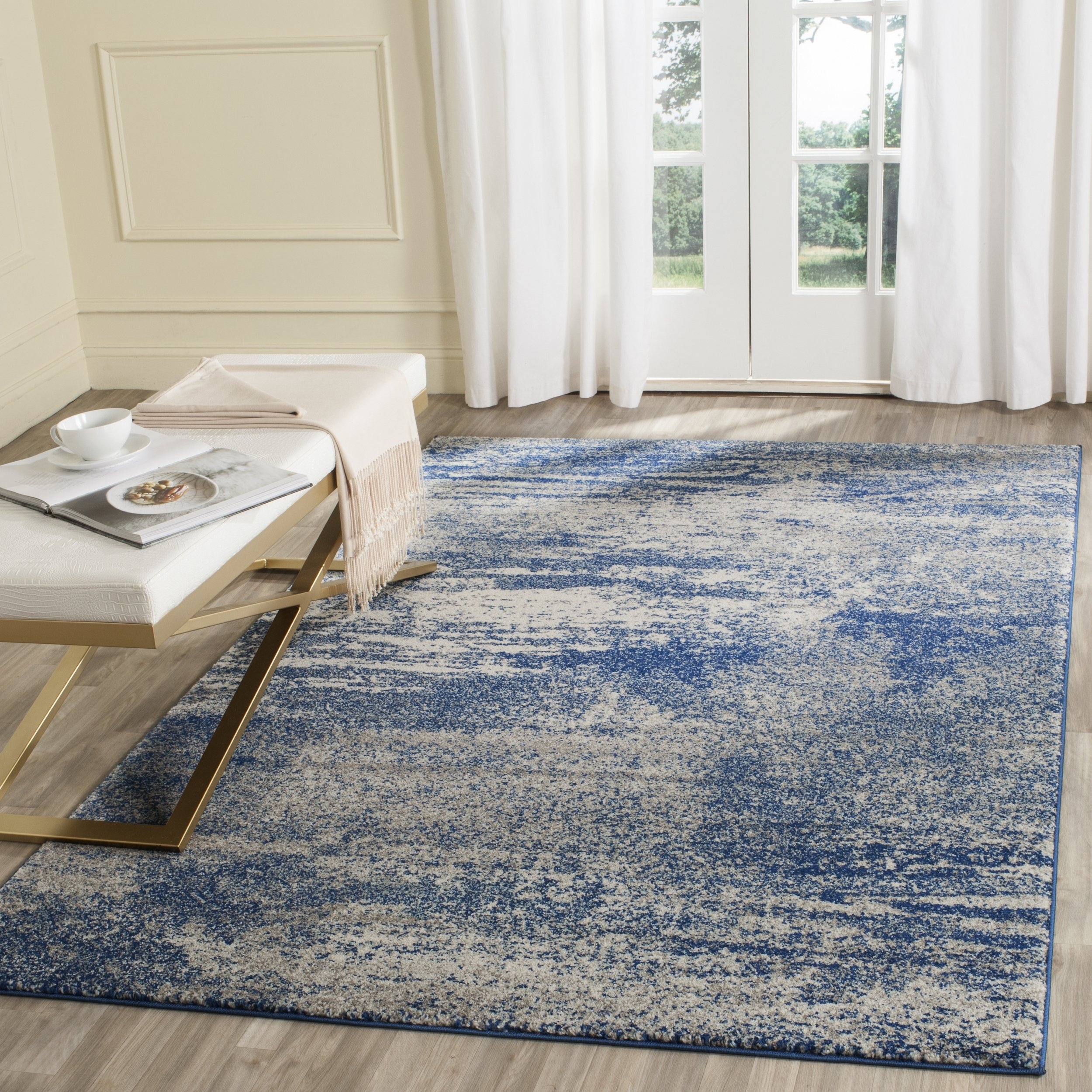 Safavieh Evoke Collection EVK272A Distressed Modern Abstract Navy and Ivory Area Rug (5'1'' x 7'6'')