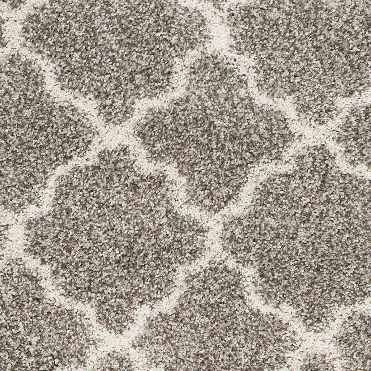 Safavieh Hudson Shag Collection SGH282B Grey and Ivory Moroccan Geometric Quatrefoil Area Rug (4 x 6)