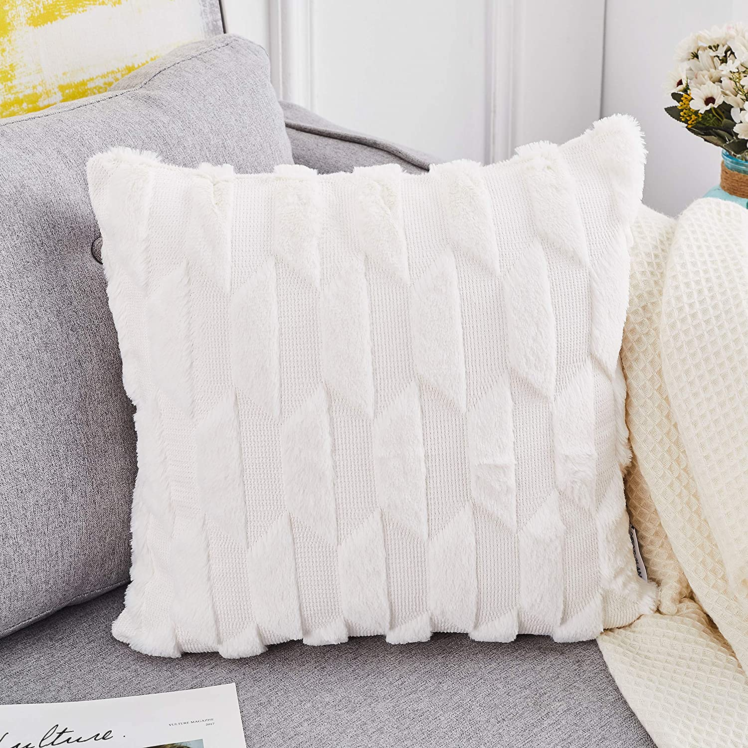 NeatBlanc Soft Plush Faux Fur Decorative Throw Pillow Covers Luxury Style Square Pillow Case Cushion Cover 18 x 18 inches 45 x 45 cm for Couch Bed Car Office (White - 1 Pack, 18 x 18)