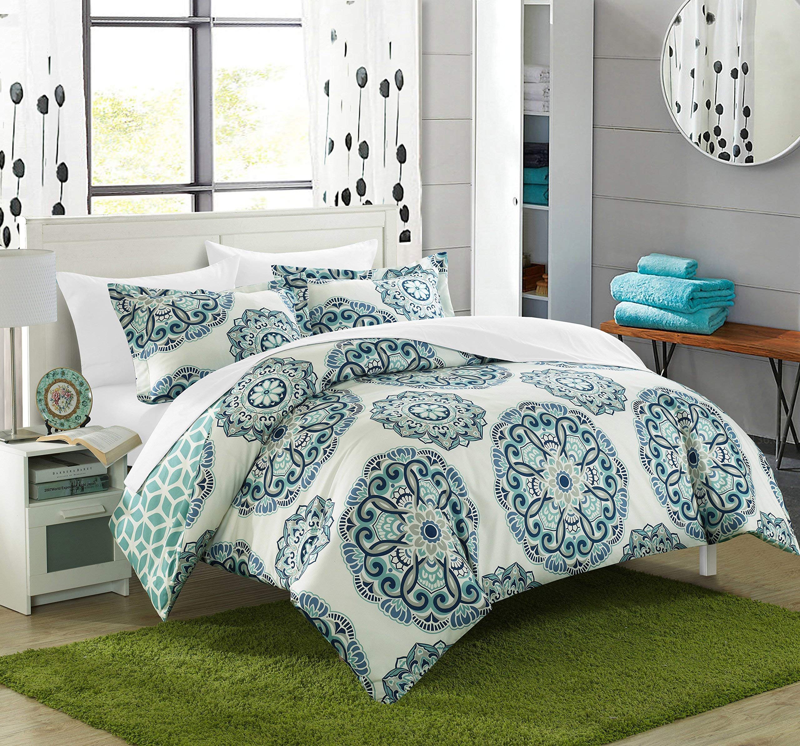Chic Home Ibiza 3 Piece Duvet Cover Set Super Soft Reversible Microfiber Large Printed Medallion Design with Geometric Patterned Backing Zipper Closure Bedding with Decorative Shams, King Green