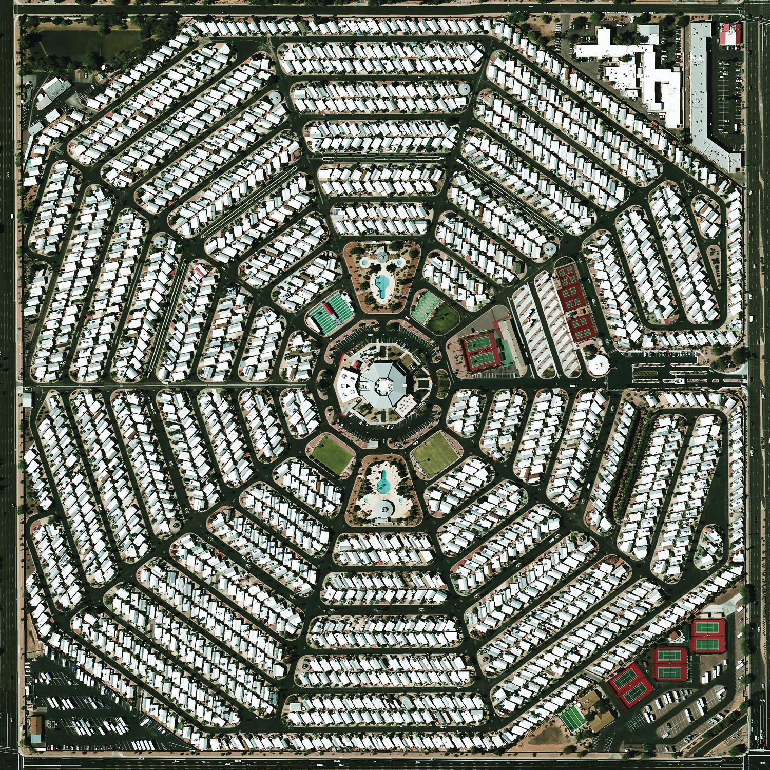 Strangers To Ourselves : Modest Mouse: Amazon.es: Música
