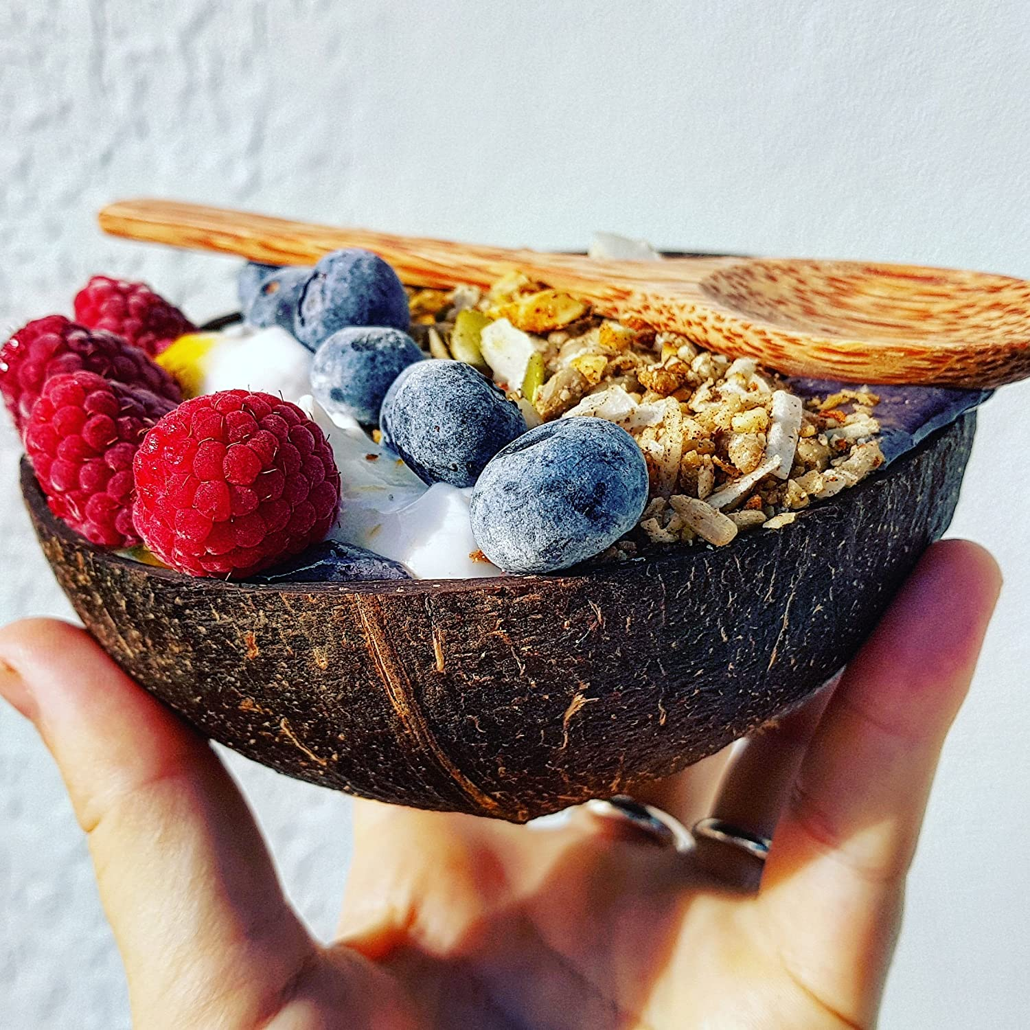 - 100/% Natural Hand Made Vegan Artisan Craft Coconut Bowls and Coconut Spoons Gift Set Made from Reclaimed Coconut Shells Organic Eco Friendly Set of 2 Coco Bowls + 2 Coco Spoons