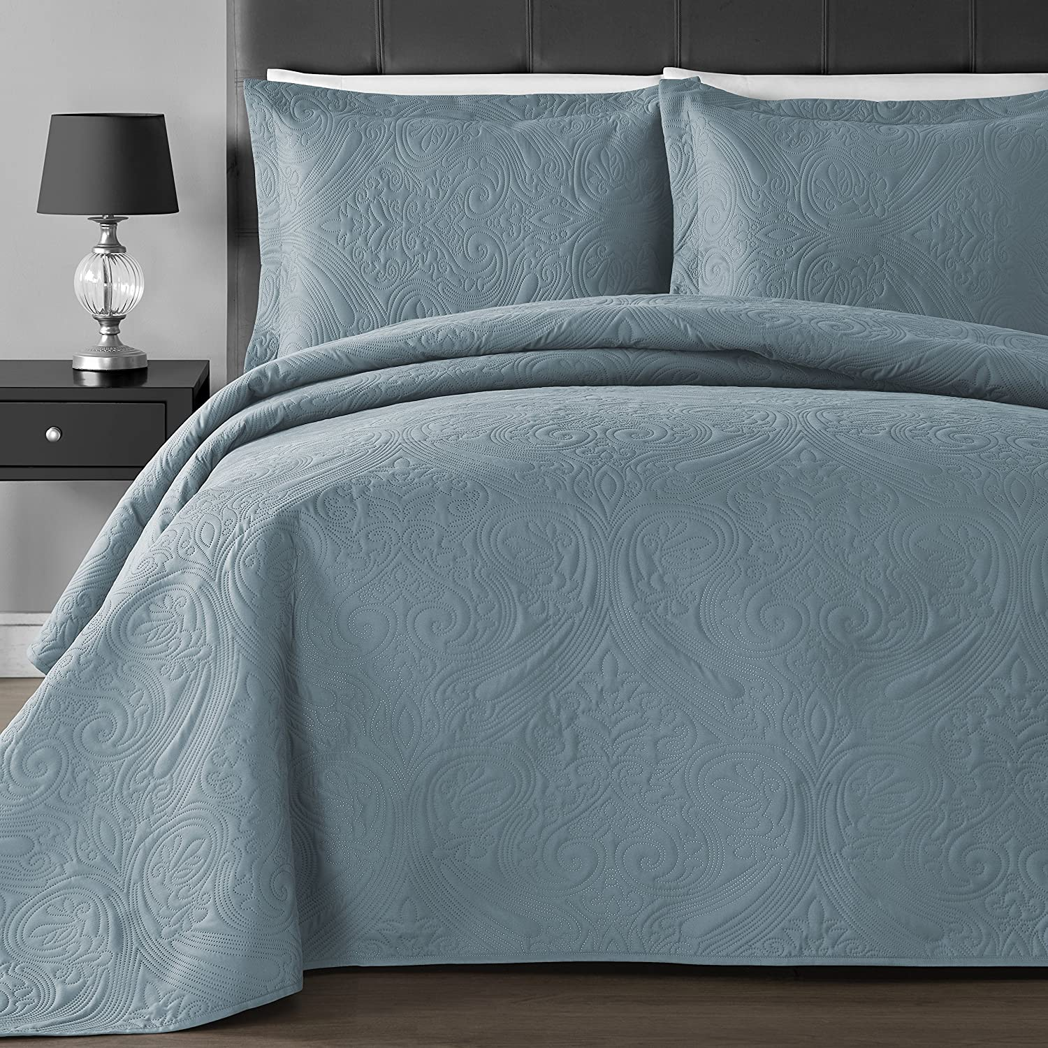 Comfy Bedding Extra Lightweight and Oversized Thermal Pressing Floral 3-piece Coverlet Set (Full/Queen, Spa Blue) B01B179524 Full/Queen|ブルー(Spa Blue) ブルー(Spa Blue) Full/Queen