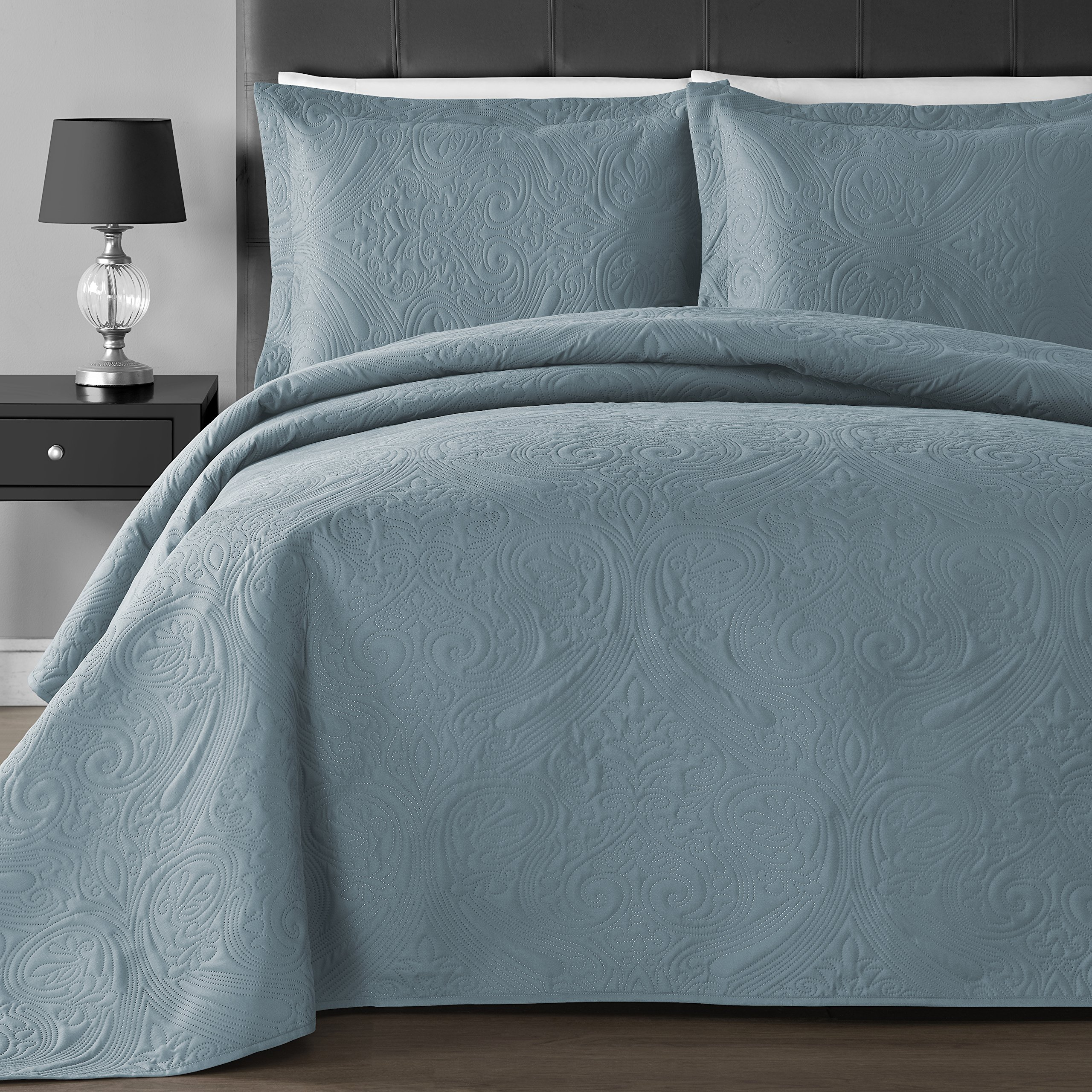 Comfy Bedding Extra Lightweight and Oversized Thermal Pressing Floral 3-piece Coverlet Set (Full/Queen, Spa Blue)